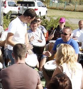 «барабан» «взрослый» «ребенок» «барабанный круг» «тимбилдинг» «барабан» «командная игра»